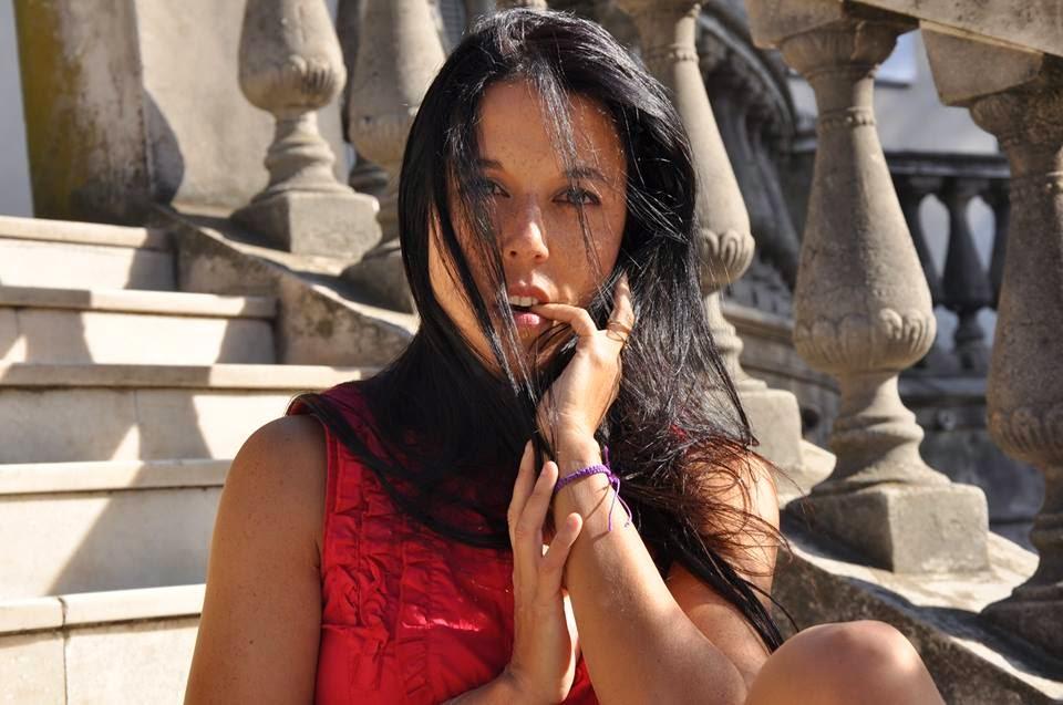 Mariel Ruggeri - Escritora de novelas eróticas